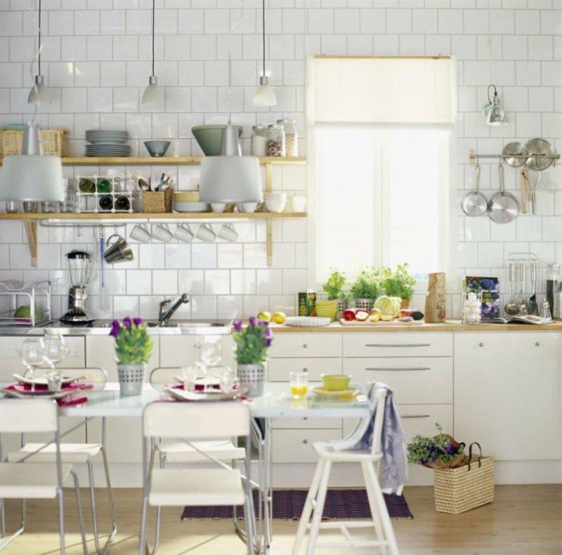 arrangement-og-opbevaring-of-små-køkken-udstyr