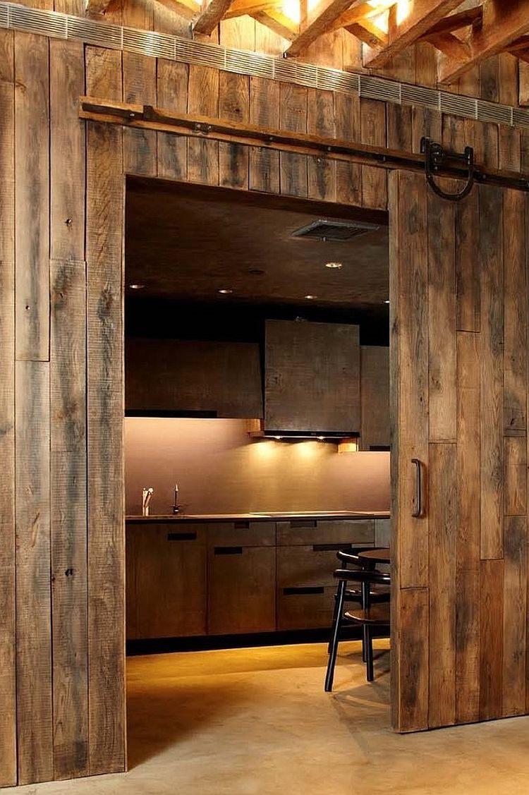 stald-døre førende-to-the-køkken-give-det-en-rustik appel-øjeblikkeligt