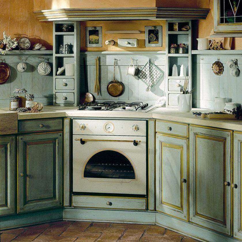 custom-kabinet-og-sten-eller-marmor-fliser-bordplader-tegne-inspiration-fra-middelhavs-køkkener