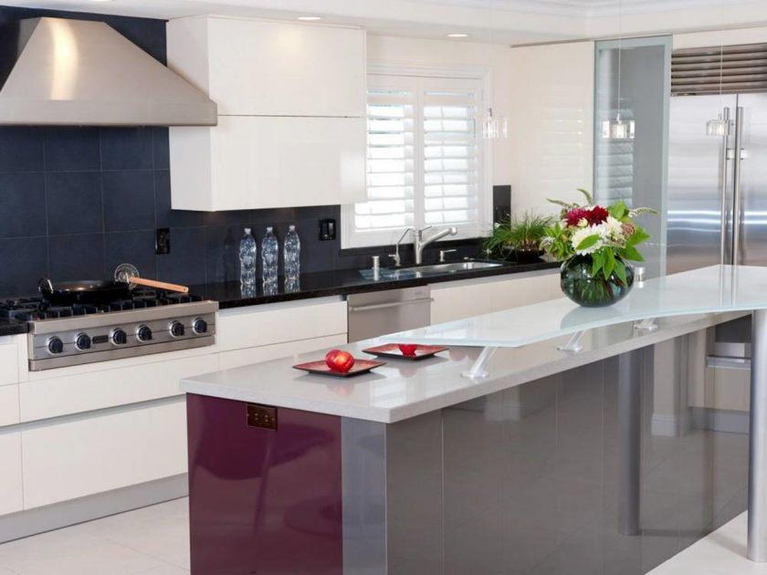 dp_danenberg-design-modern-italian-kitchen-island-vent-hood_s4x3-jpg-rend-hgtvcom-1280-960