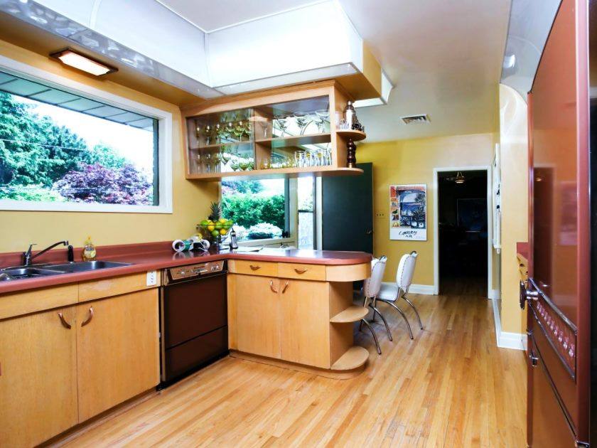 hdivd1512_kitchen-before_s4x3-jpg-rend-hgtvcom-1280-960