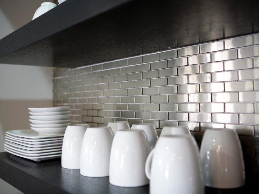 hkitc106_after-rustfrit stål-flise-køkken-backsplash_s4x3-jpg-rend-hgtvcom-1280-960