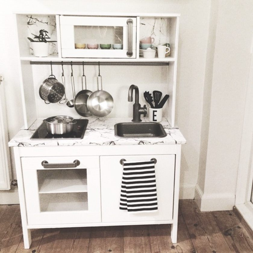 ikea-DUKTIG-play-køkken-hack-kridt-kids