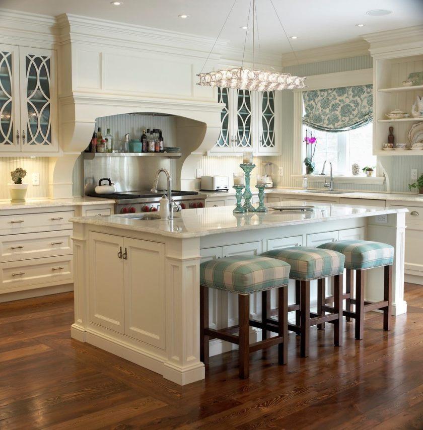 metal-frame-counter-afføring-køkken-traditionel-med-vindue-behandling-blå-hvid-køkken