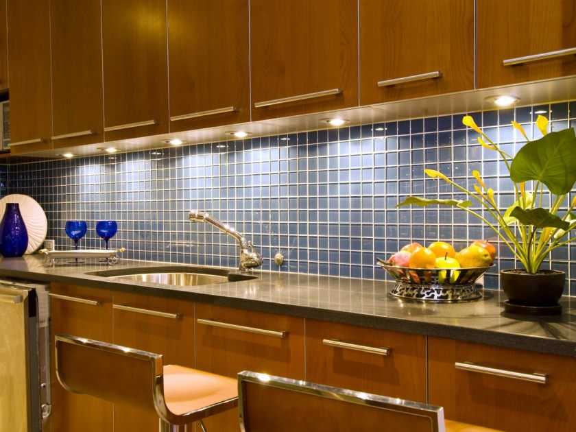 ts-87640980_kitchen-flise-backsplash_s4x3-jpg-rend-hgtvcom-1280-960