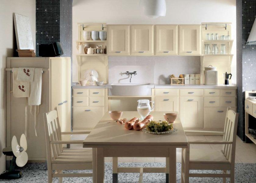 smukke-land-stil-køkken-i-hvid-beige-farve-temaer-med-træ-kabinet-og-spise-sæt-også-sort-accent-on-mønstrede-stolperne-og-to-temaer-gulv- idé-inspirerende-land-stil-køkken