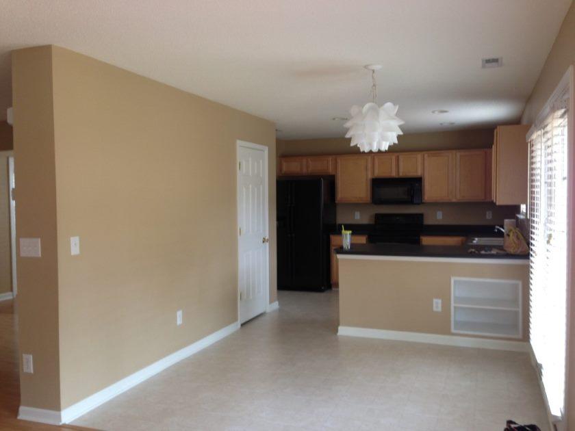 blændende-images-af-at-kreativ-design-beige-malede-køkken-kabinetter