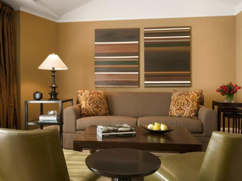 kbrown_livingroomshot1-jpg-rend-hgtvcom-1280-960