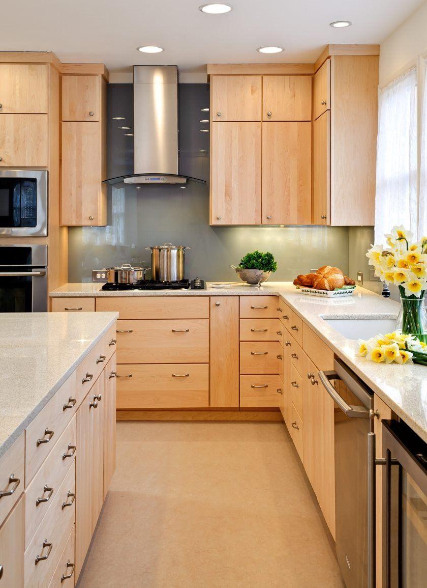 køkken-inventar-moderne-rustik køkken-interiør-design-med-træ-køkken-skab-i-ahorn-slut-og-rustfrit stål-skorsten-hætte-også-rektangel-ahorn-træ-ø-kitchens- med-ahorn-kabinetter
