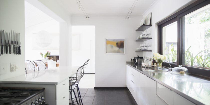 landskab-1464985937-pantry-køkken-bly