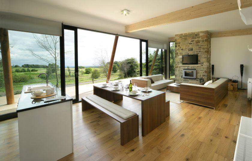 stue-møbler-ideer-lille-køkken-spisestue-stue
