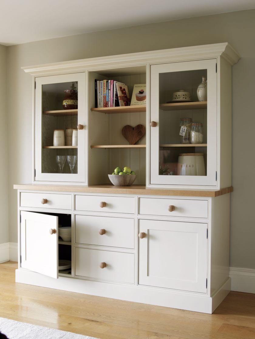 lrg_kitchen_triple_dresser_01