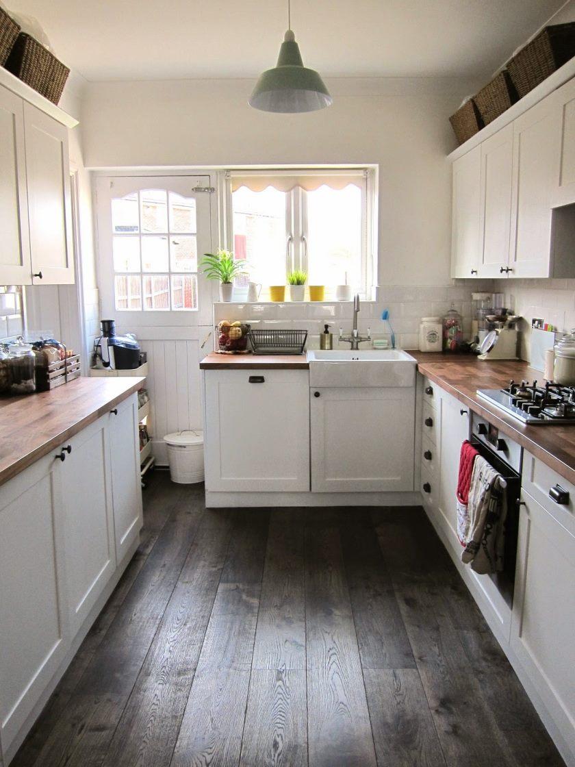 Lucy-elsker-til-spise-ny-køkken-indretning-1