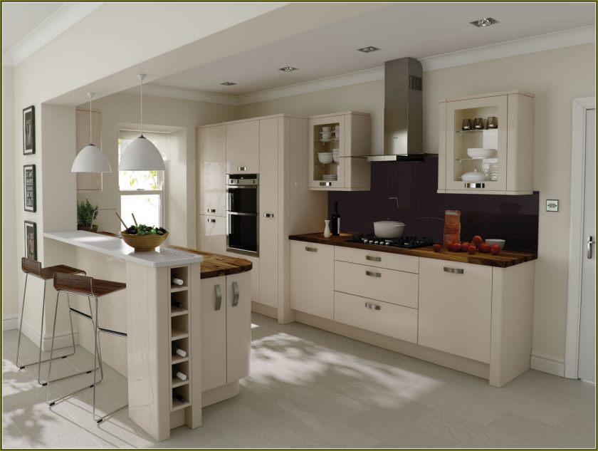 moderne-beige-køkken-kabinetter