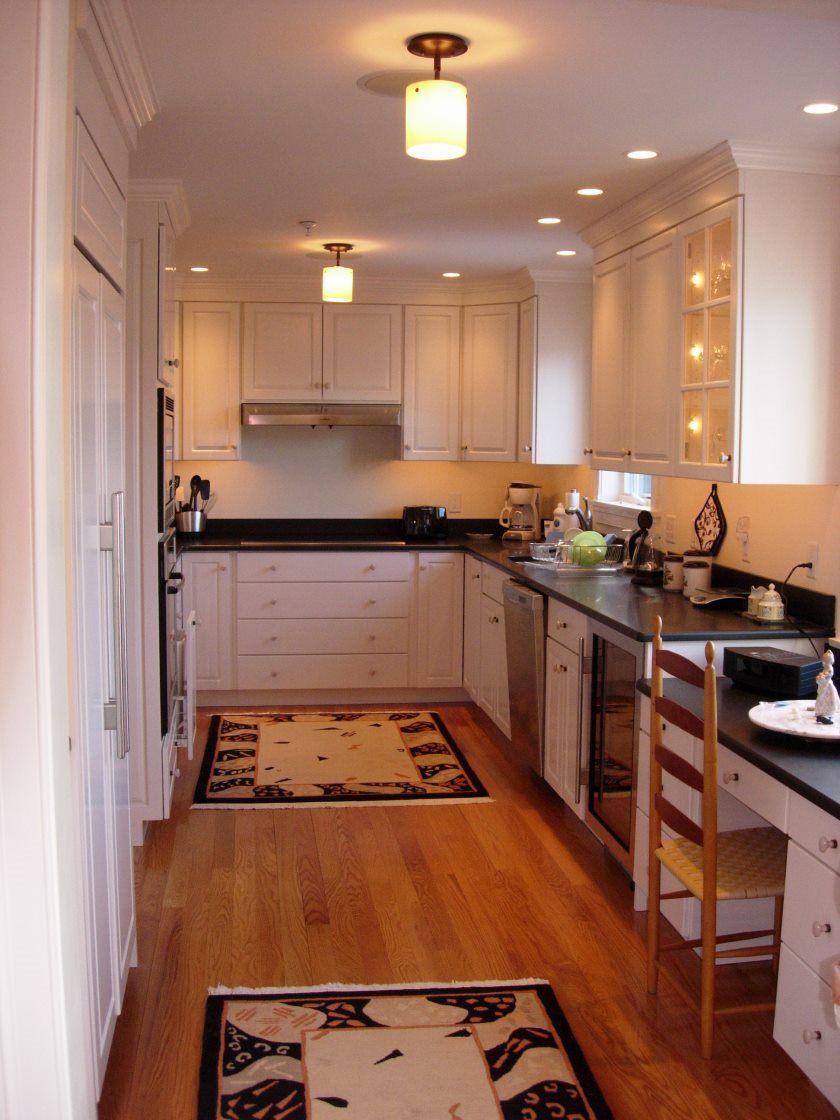 forsænket-belysning-ledede-belysning-køkken-lys-belysning-design-inventar-lys-home-belysning-feature-lys-track-belysning-loft-lys-forsænket-belysning-i-en-lille-køkken-modernise- forsænket-belysning-ki