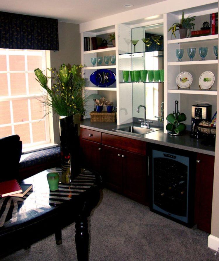 små-lounge-bar-område-med-vask