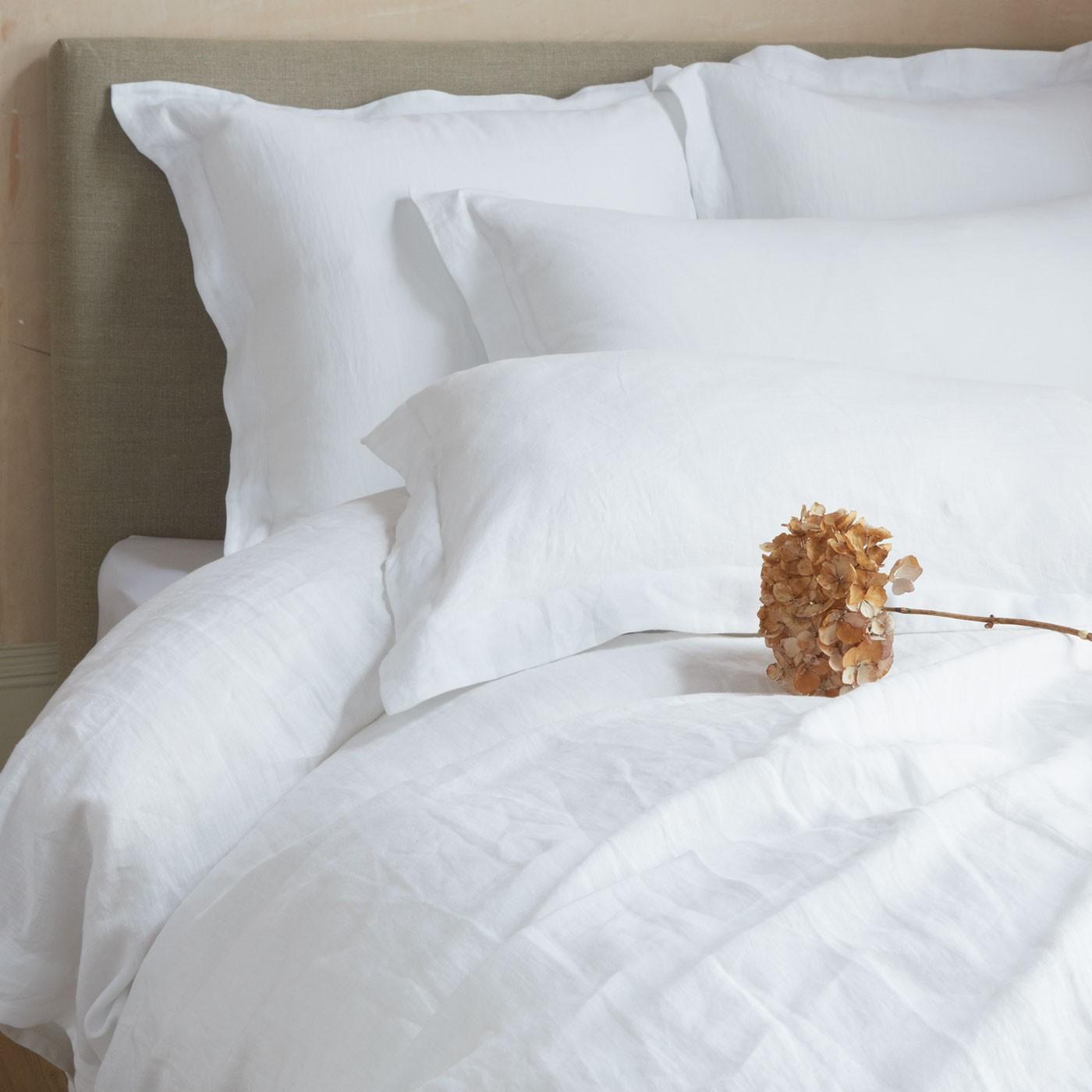 100-ren-fransk-seng-linen_bedroom-sengetøj-gray_bedroom_1-værelses-lejligheder-til-leje-cool-ideer-king-size-sæt-ikea-møbler-design-lysekroner-how-to-dekorere-et-modernise- farver