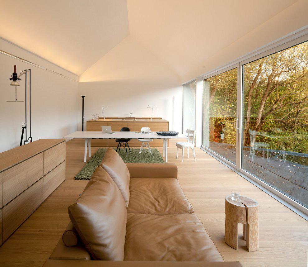 sort-hvid-house-Wenzenbach-tyskland-åbent-køkken-spisestue-stue