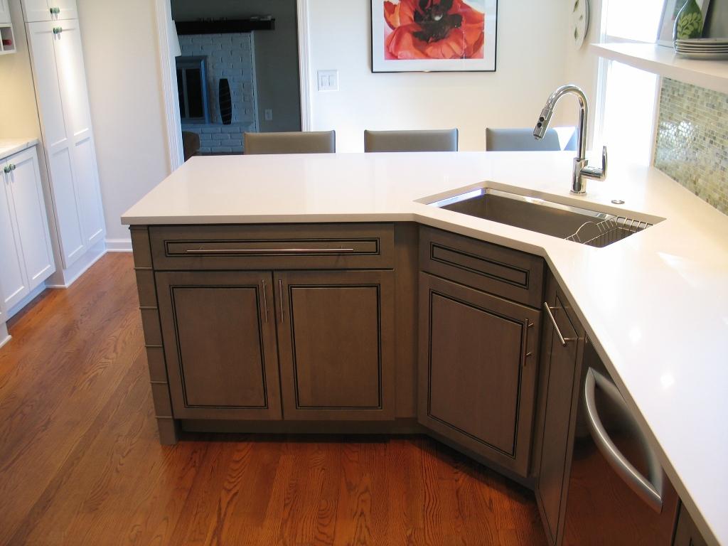 carmel-kitchen-design-and-remodel-bisveled-Understount-évier-corner-corner-peninsula