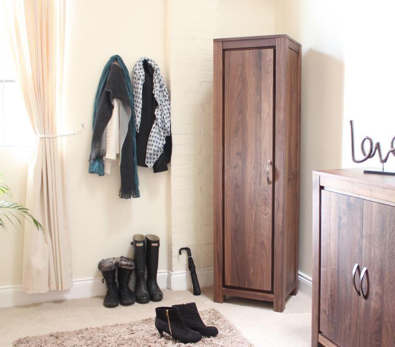 armoire à chaussures d'angle pour couloir