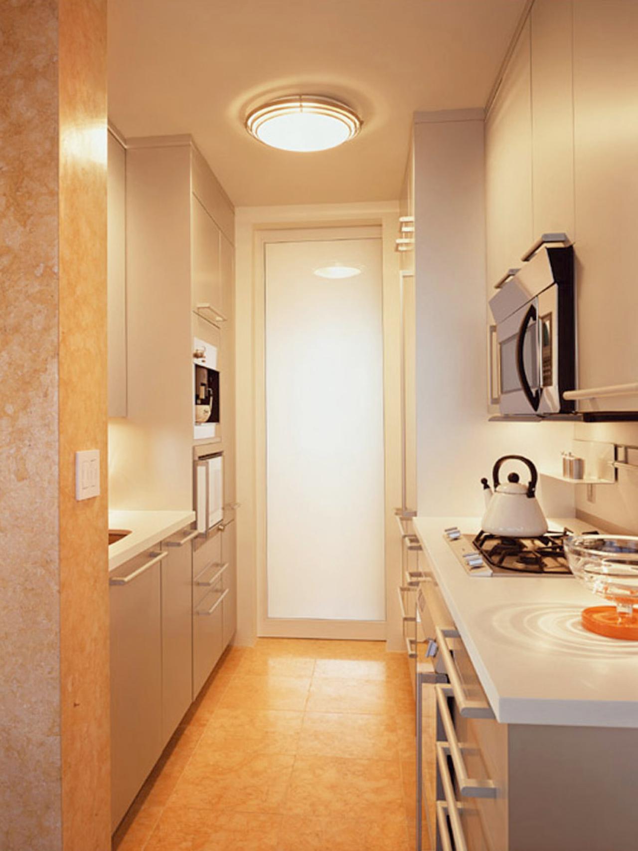 dp_berliner-hvid-pantry-kitchen_s3x4-jpg-rend-hgtvcom-1280-1707