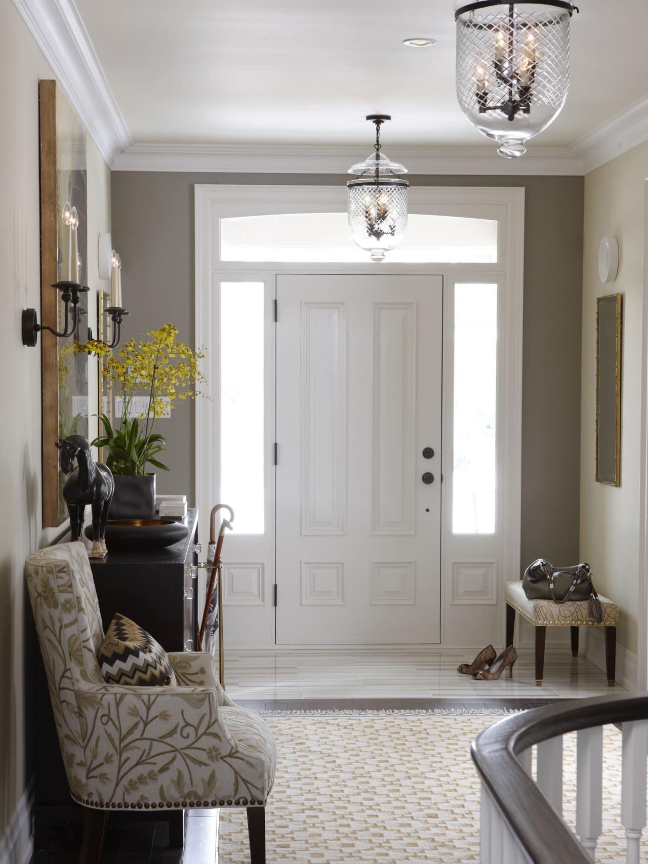 flsra403l_entryway udseende-til-front-door_s3x4-jpg-rend-hgtvcom-1280-1707