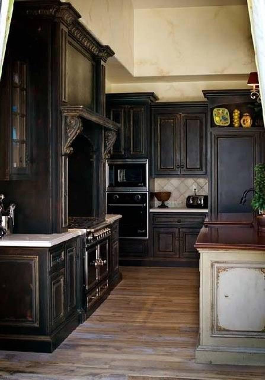 redoutable-design-de-rustique-noir-armoires-de-cuisine-en-bois-avec-simple-comptoir