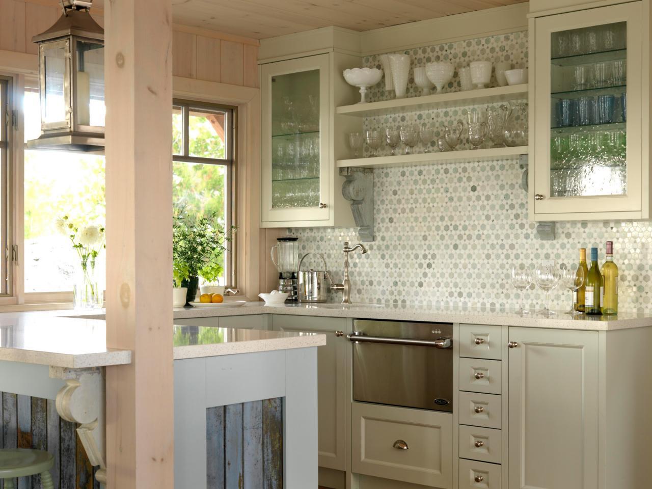 hssuh105_kitchen-med-glas-face-cabinets_4x3-jpg-rend-hgtvcom-1280-960