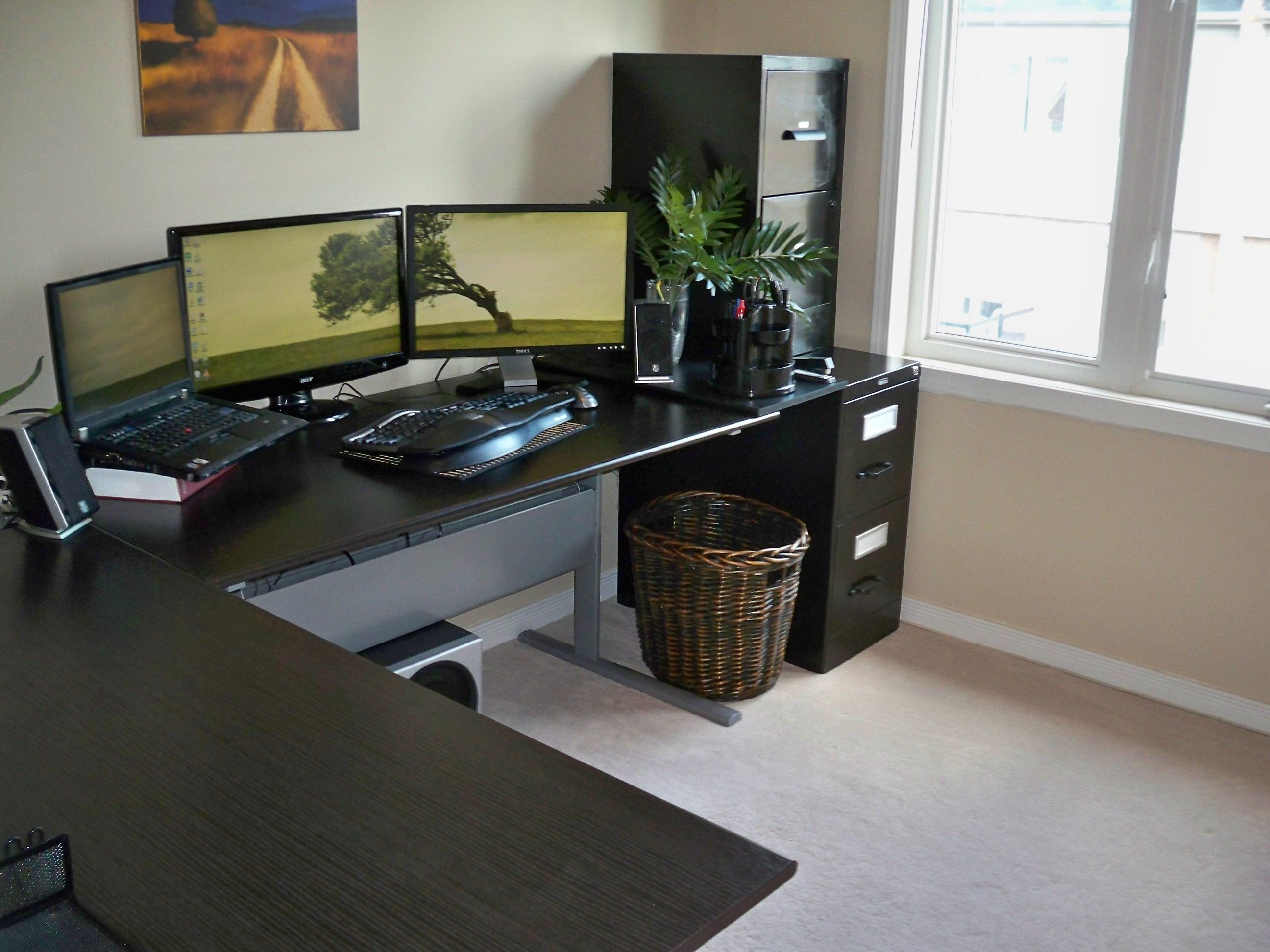 ikea-L-formet-desk-moderne