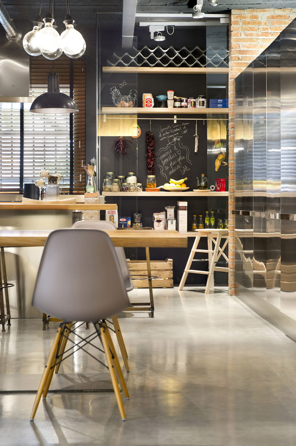 køkken-spisestue-loft-stil-home-terrassa-spanien