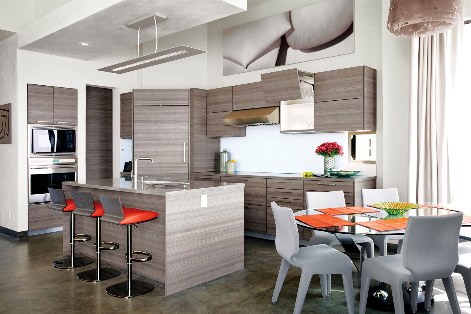 køkken-ø-breakfast-bar-spisebord-miljøvenlige-strand-hus-i-california