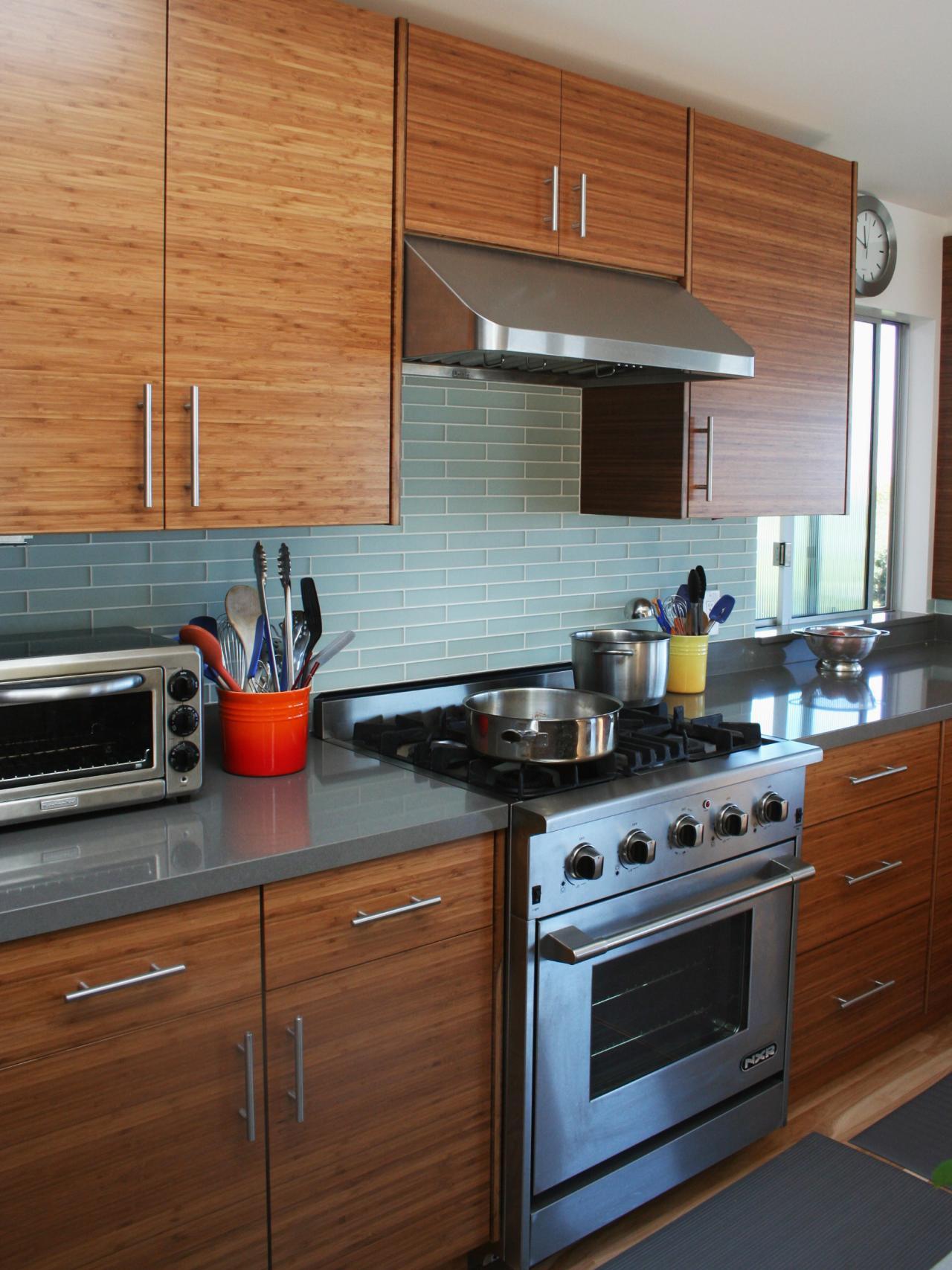 rs_custom-rum-moderne-køkken-stove_s3x4-jpg-rend-hgtvcom-1280-1707