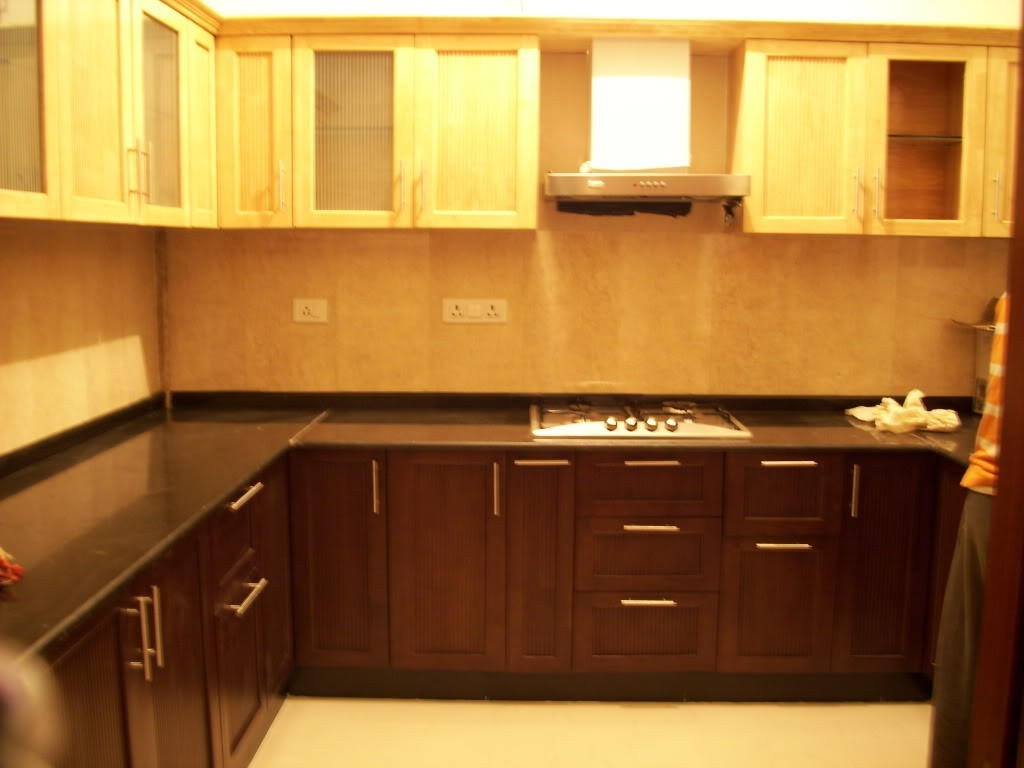 lille-modulært-køkken-design-og-belysning-1024x768