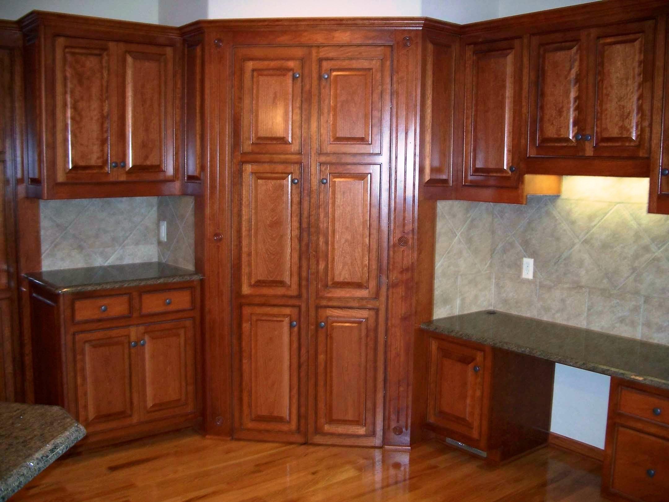 armoire de cuisine en coin supérieur