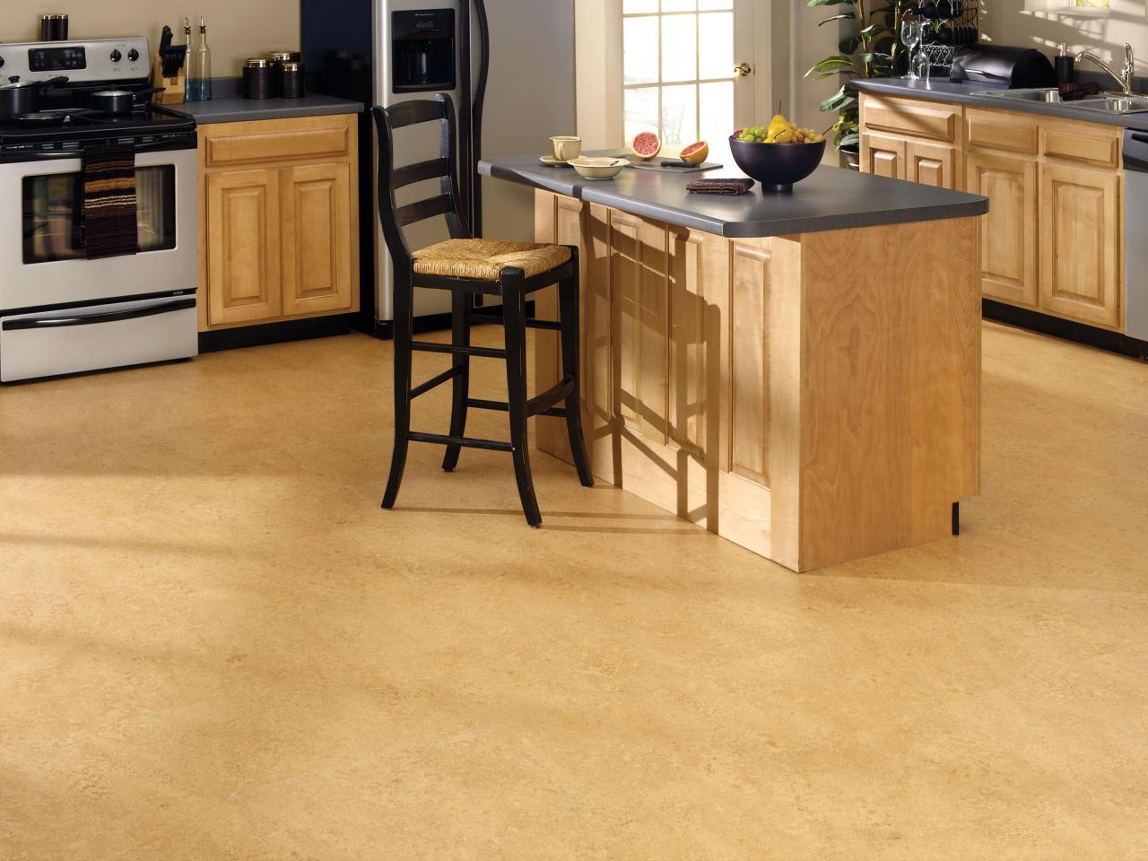 os-floors_corkoleum-kitchen_s4x3-jpg-rend-hgtvcom-1280-960
