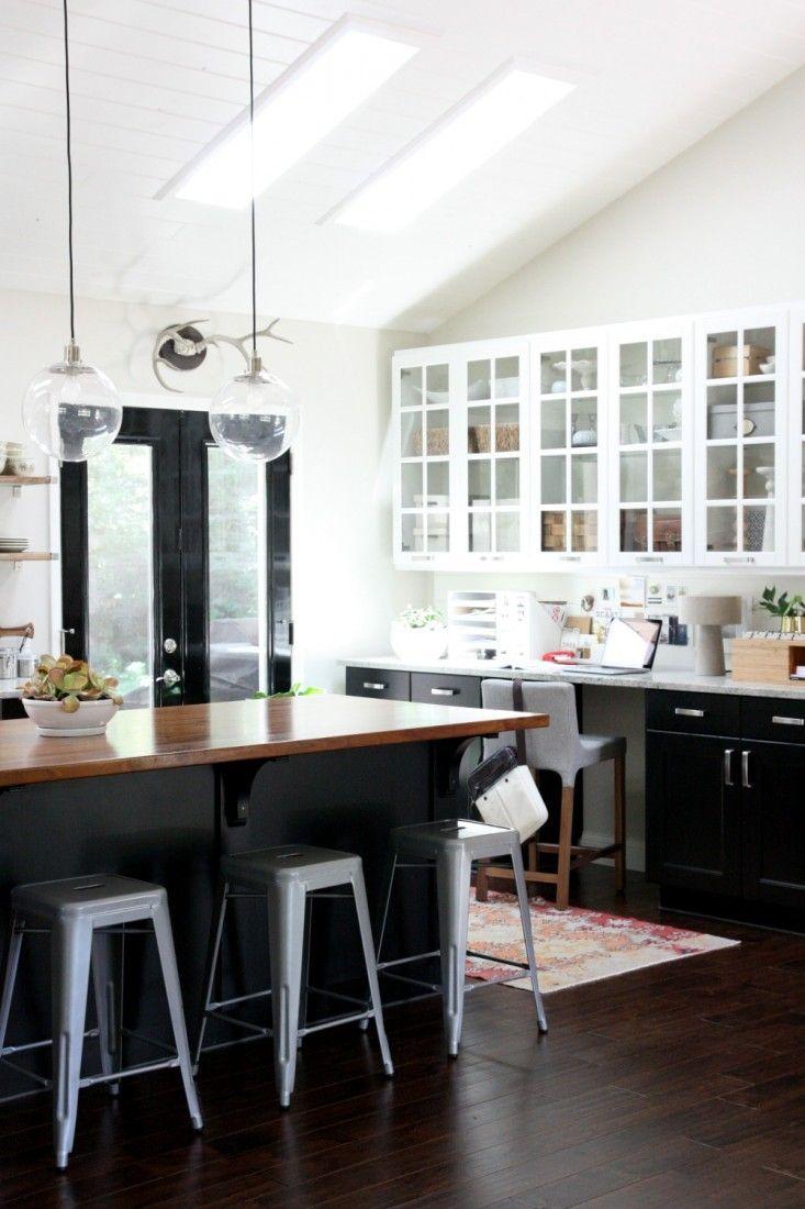 armoires-noires-avec-verre
