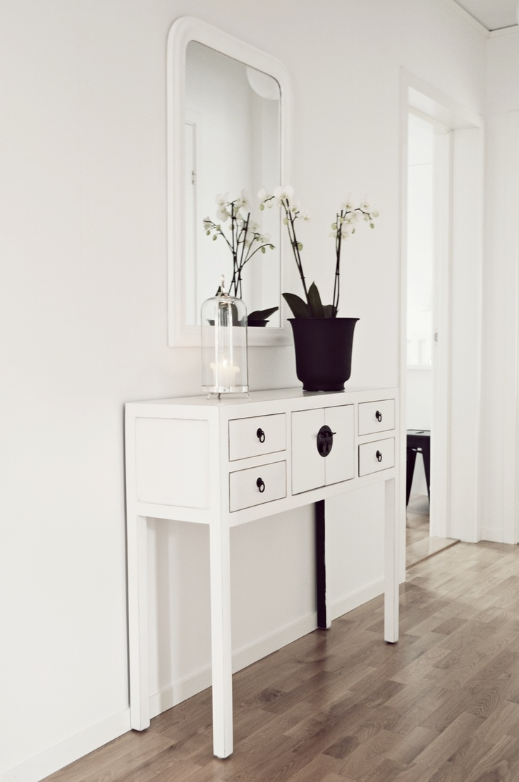 charmerende-smal-gangen-table-4-stil-løsninger-skabe-det-perfekt-gangen-the-nordic-house-blog-736-X-1110