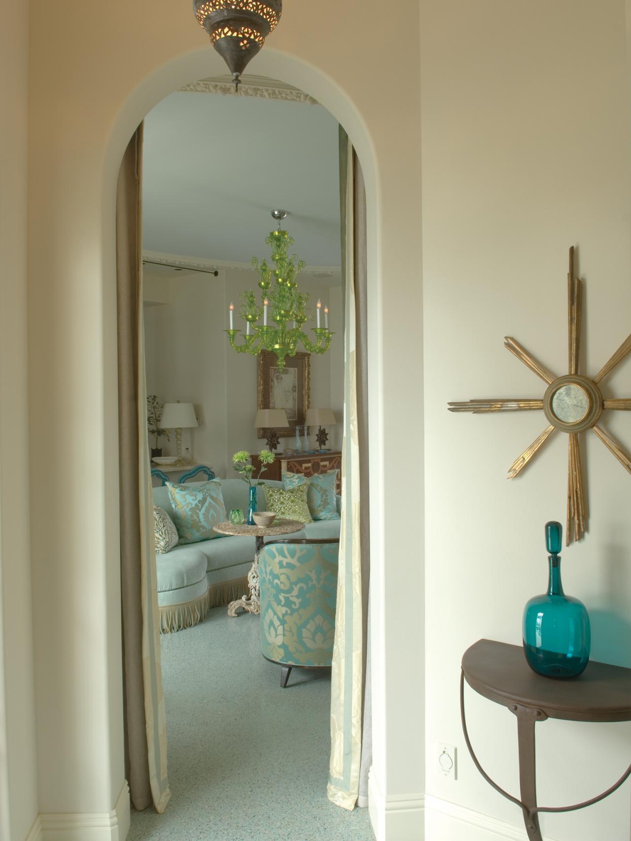 ci-barry-dixon-interiors_pg149_vestibule-archway_3x4-jpg-rend-hgtvcom-1280-1707