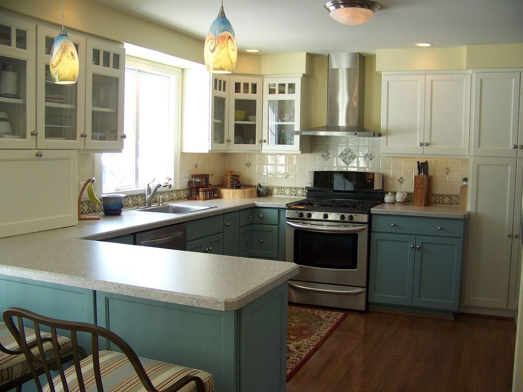 håndværker-køkken-med-malet-kabinetter-i_g-ist47x36u9r58s0000000000-t8air