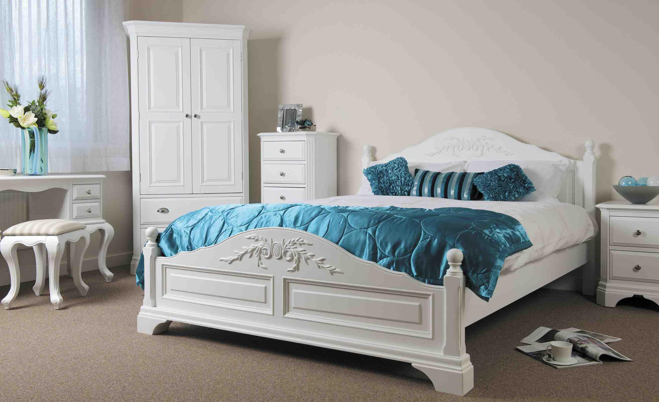 krystal-værelses-møbler-range