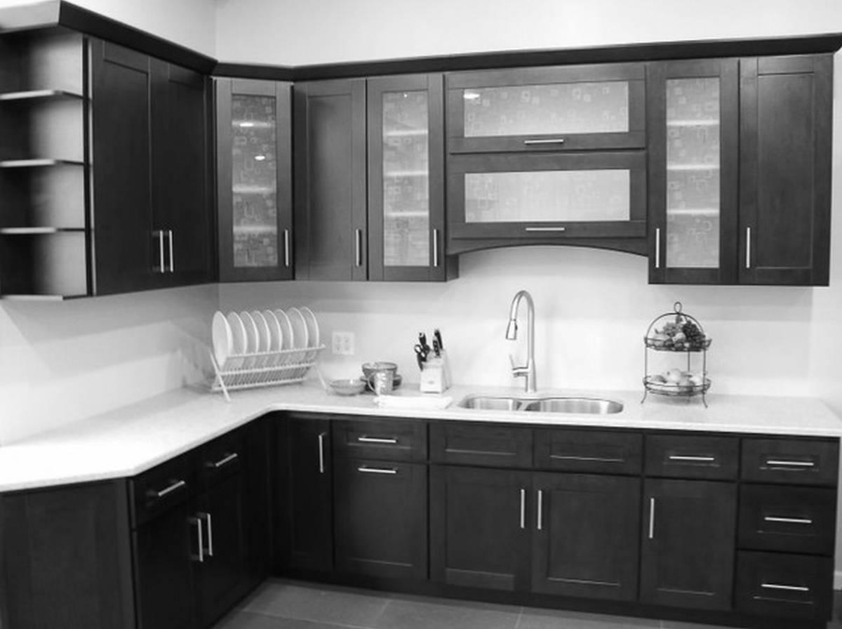 élégant-moderne-cuisine-avec-noir-électroménagers-meubles-laqué-noir-armoires-de-cuisine-divine-peinture-armoires-de-cuisine-intérieur-adorable-moderne-italien-contemporain-amusant-mobilier-design