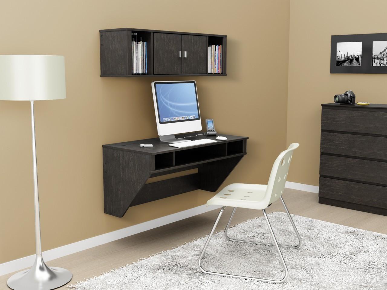 fascinerende-møbler-ikea-træ-computer-skriveborde-til-små-rum-hjem-office-med-sort-træ-kabinet-4-skuffe-over-træ-gulv-og-sort-træ-floating-computer- skrivebord, være udstyret-storage-hylder-al