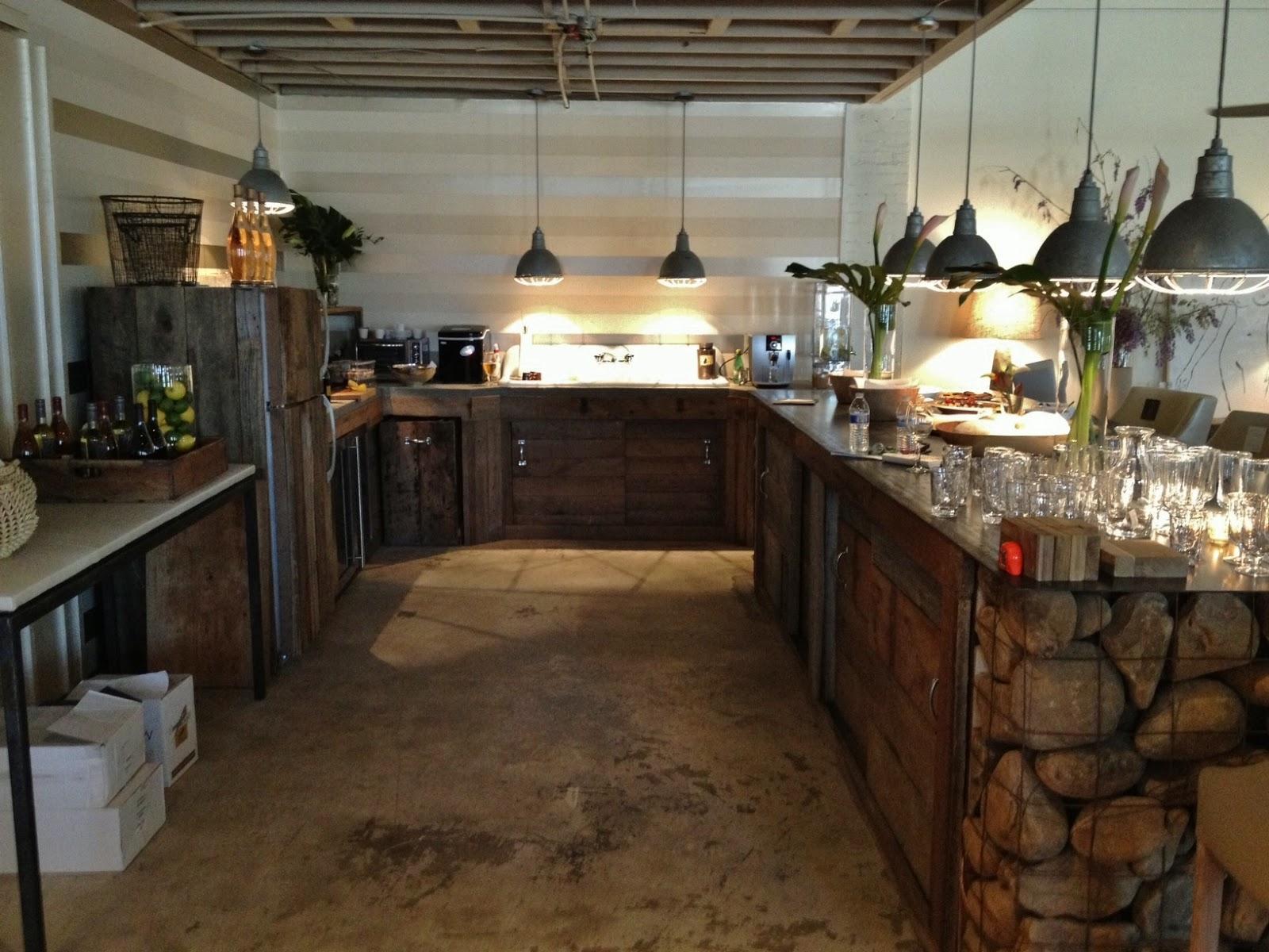 hentning-køkken-kabiner-brun-kabine-til-køkken