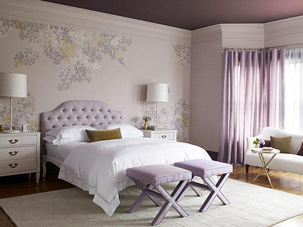 møbler-lys-lilla-væg-af-vinduer-gardin-bænk-hovedgærde-on-sengested-hvide-sengelinned-puder-soft-tæppe-ikea-mester-værelses-børsnoterede-udsmykning-ideer-til-ikea-master- soveværelse-møbler-1058x793