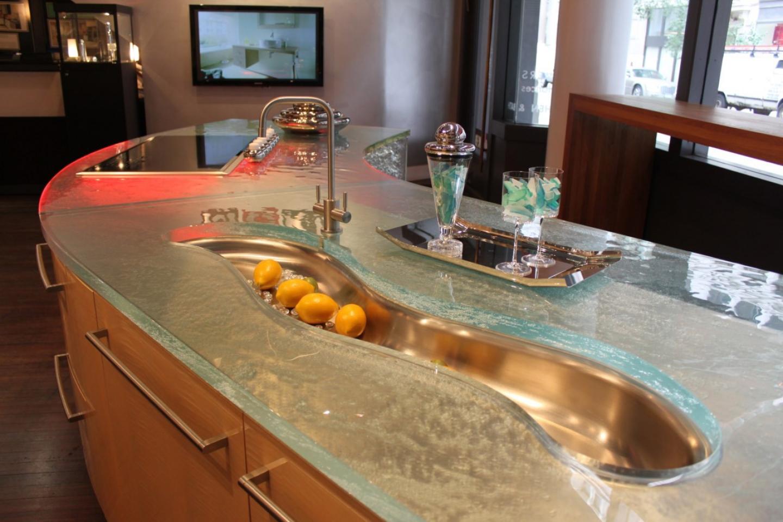 glas-og-granit-bordplade-køkken-design-remodels