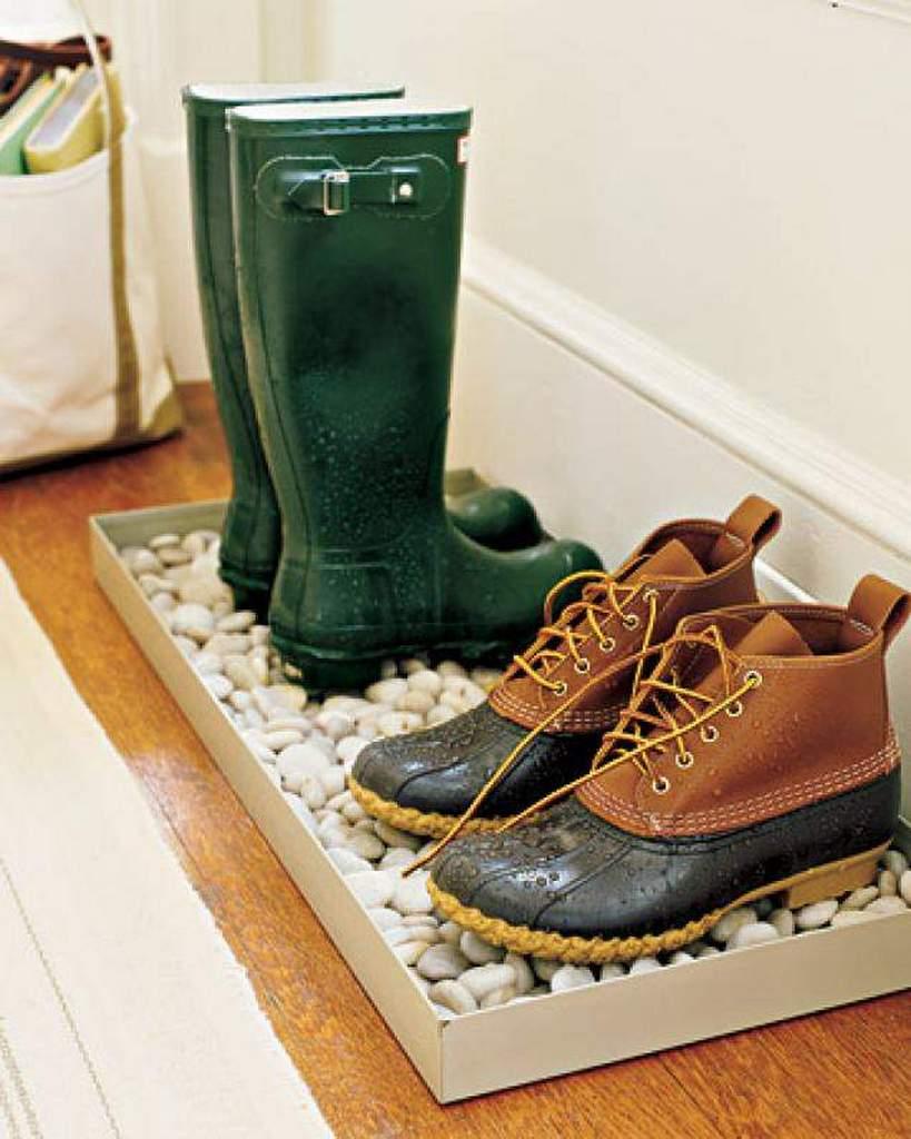 ideya-hraneniya-mokroj-gryaznoj-obuvi
