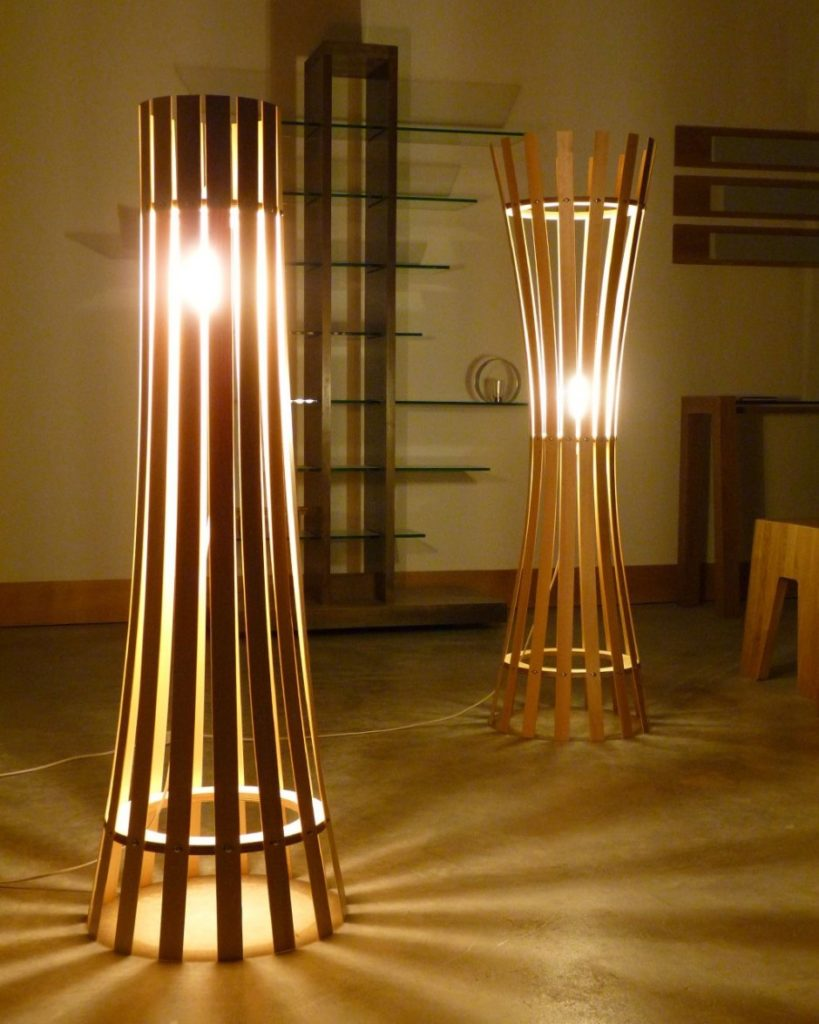 linda-lampe-unik-lamper-gulv-lamper-ikea-gulv-lamper-med-table-819x1024