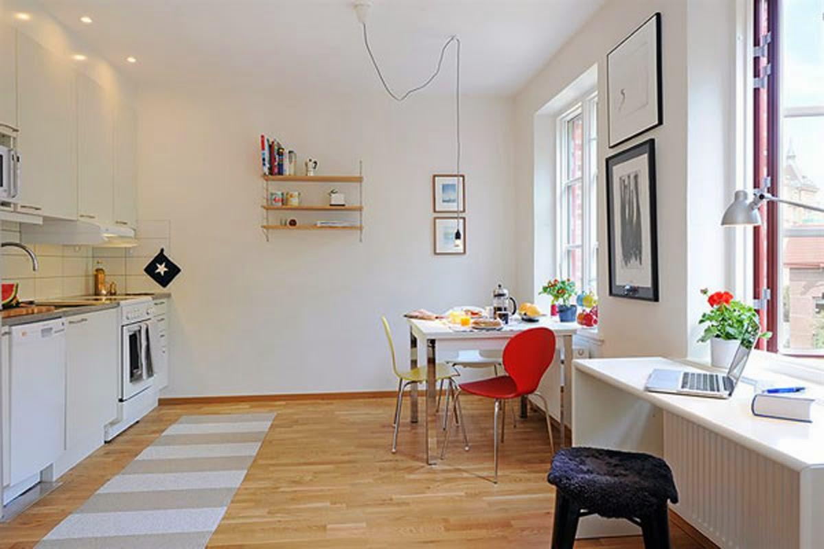 lang brun-stribet-område-tæppe-i-front-of-hvid-åbent-køkken-koncept-til-lille-lejlighed-space-idé