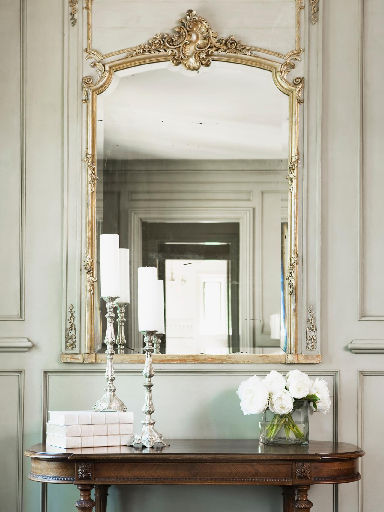 photos-hgtv-antique-table-and-gilt-mirror-in-neutral-hallway_decorative-hallway-mirrors_home-decor_home-decorators-coupon-code-decor-stores-yosemite-bohemian-western-christian-target-sincere-office- de