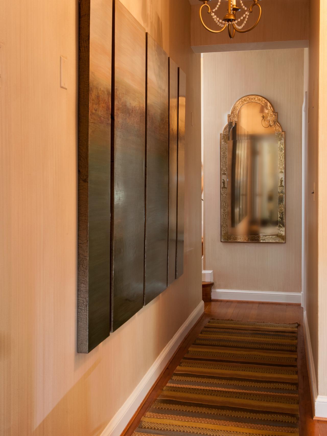 photos-hgtv-étroit-couloir-avec-miroir-fleuri_décoratif-couloir-miroirs_home-decor_fleur-de-lis-home-decor-catalogues-cheap-peacock-stores-wholesale-online